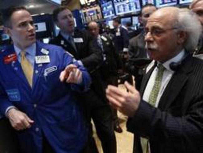 Dow Jones cao nhất mọi thời đại, S&P 500 sát mốc kỷ lục