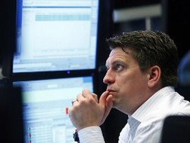 Phố Wall lao dốc với lợi nhuận đáng thất vọng của các doanh nghiệp