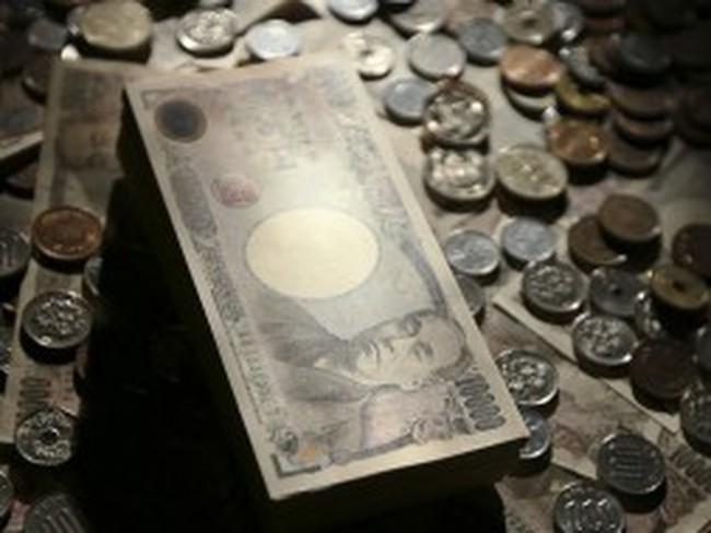 Yên tiến tới mốc 100 yên/USD, chứng khoán châu Á thăng hoa