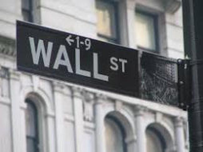 Chứng khoán Mỹ giảm điểm sau báo cáo GDP