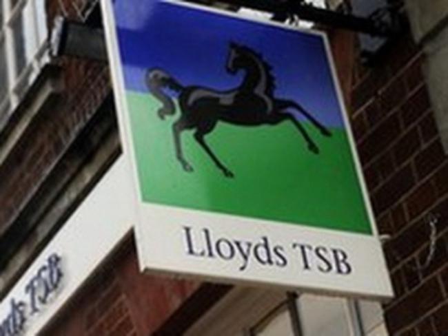 Ngân hàng Lloyds có lãi lần đầu sau 3 năm thua lỗ