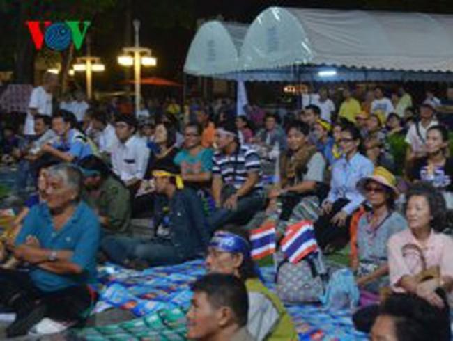 Hàng nghìn người xuống đường biểu tình ở Bangkok