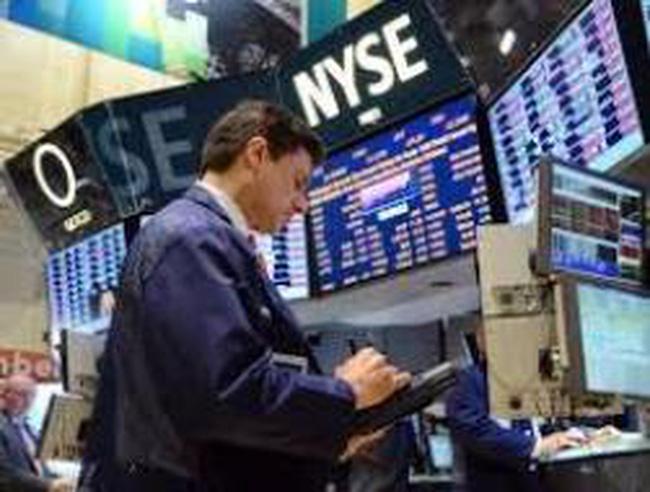 Nhà đầu tư rút tiền, phố Wall giảm mạnh nhất kể từ tháng 6