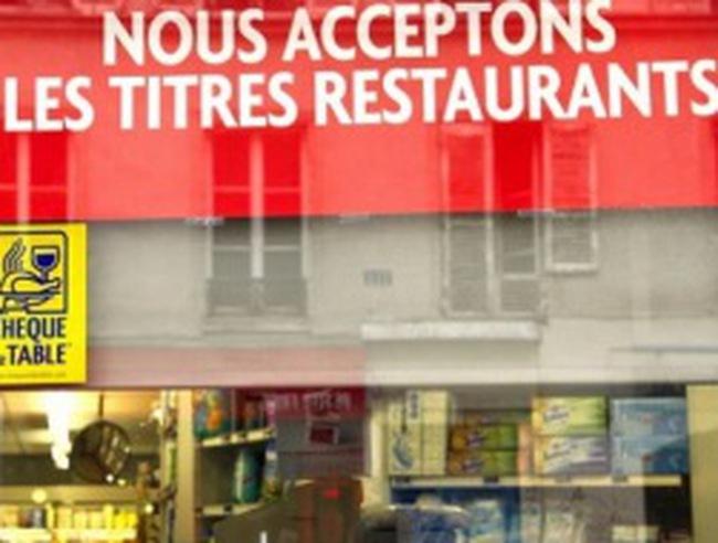 """Pháp phát hiện """"máy rửa tiền"""" ở các nhà hàng Trung Quốc"""