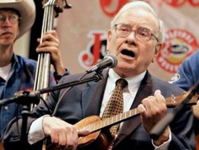 Warren Buffett nắm gần 100 tỷ USD cổ phiếu