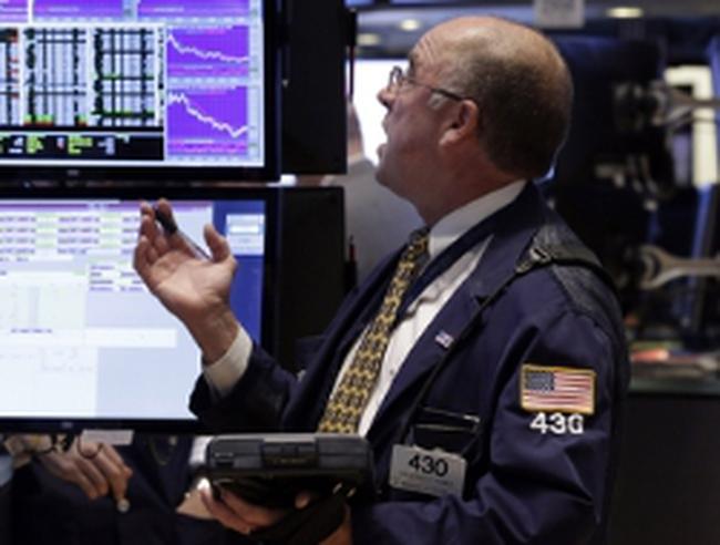 Dow Jones có tuần giảm mạnh nhất trong 1 năm