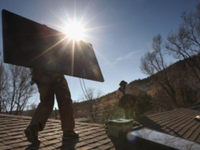 Nợ nần, chính phủ Tây Ban Nha đánh thuế mặt trời