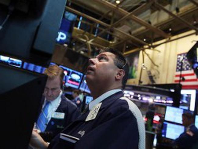 S&P 500 giảm mạnh nhất 9 tuần do căng thẳng ở Syria