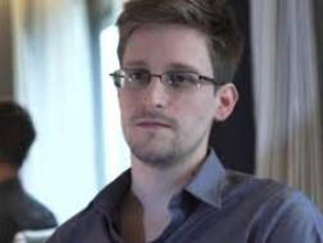 Edward Snowden đã liên hệ với Nga trước khi tới Moskva
