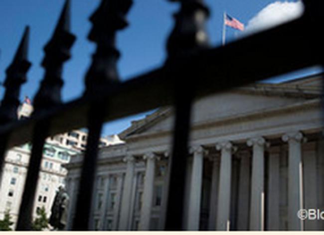 Lo sợ vỡ nợ, ngân hàng Mỹ tăng cường dự trữ tiền mặt