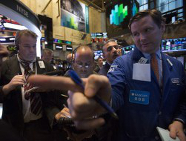 Lạc quan về ngân sách, chứng khoán Mỹ tăng trở lại