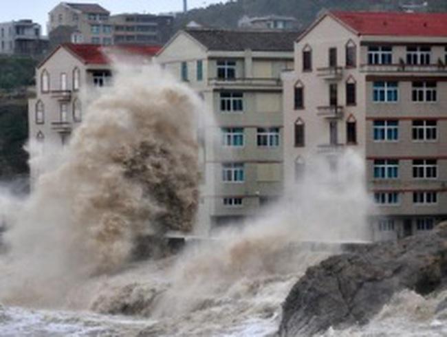 Cả triệu người Trung Quốc chạy bão Fitow 200km/giờ