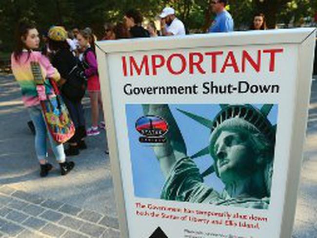 Chính phủ Mỹ đóng cửa, cả thế giới lo... bệnh!