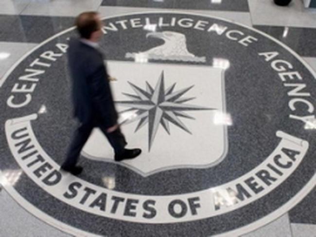 Một số nhân viên CIA đi làm trở lại