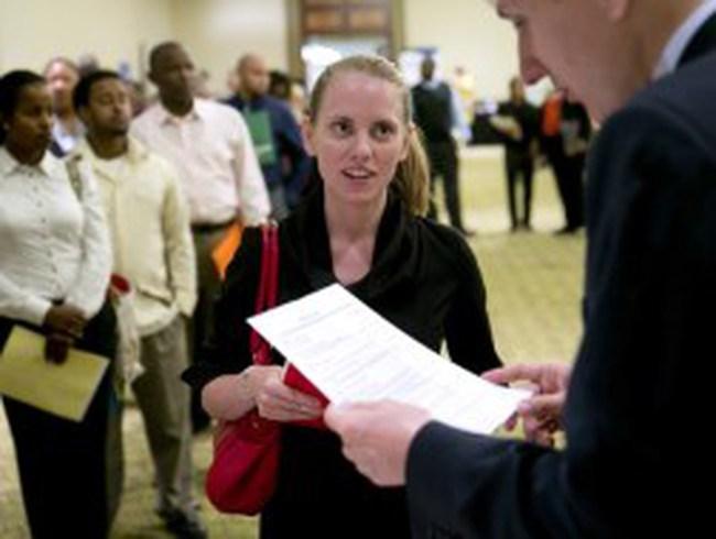 Mỹ: Số đơn xin trợ cấp thất nghiệp tăng mạnh nhất 1 năm