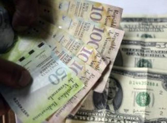 Đằng sau cơn khát USD của Venezuela