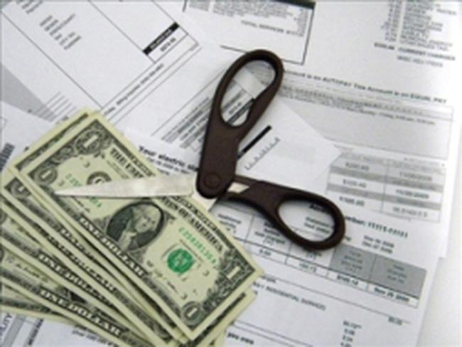 Chính phủ đóng cửa, một nửa dân Mỹ cắt giảm chi tiêu