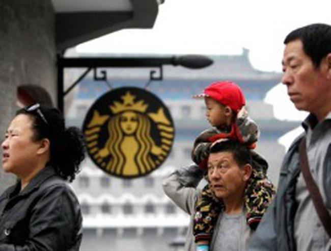 Sau Apple, đến lượt Starbucks bị truyền thông Trung Quốc 'vùi dập'