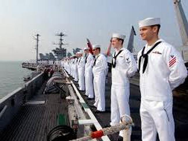 """Hải quân Mỹ """"chao đảo"""" vì bê bối tham nhũng"""
