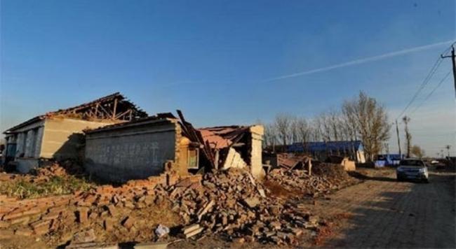 Động đất kép ở Trung Quốc, hàng nghìn ngôi nhà bị phá hủy