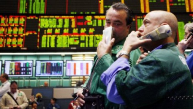Nhà kinh tế học không nên làm trader?