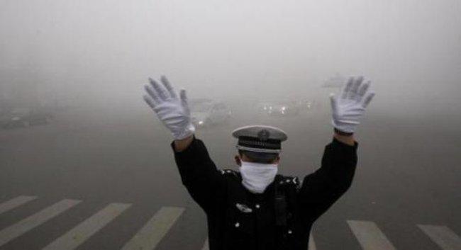 Trung Quốc đóng cửa trường học do ô nhiễm không khí