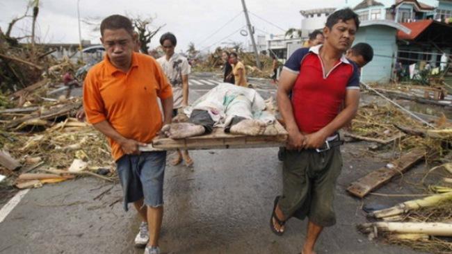 Phóng viên CNN: Siêu bão Hải Yến ập xuống Philippines như ngày tận thế
