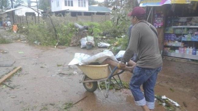 Một thị trấn ở Philippines có tới 1.000 người chết vì bão Haiyan