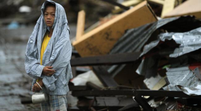 Philippines: Động đất lại tấn công vùng siêu bão đi qua