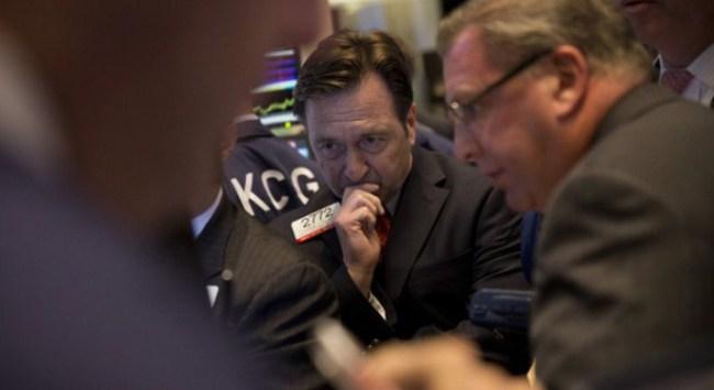 S&P 500 tăng cao kỷ lục