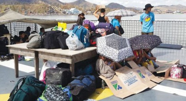 Tháo chạy khỏi Tacloban
