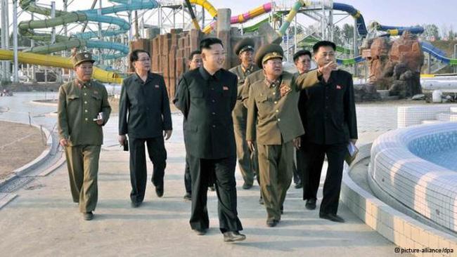 """""""Kiến trúc sư"""" Kim Jong Un"""