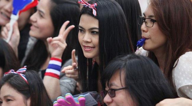 Hình ảnh dân Bangkok xuống đường biểu tình