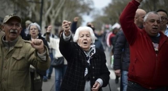 Bi kịch tuổi già của những baby boomer trên đất Mỹ