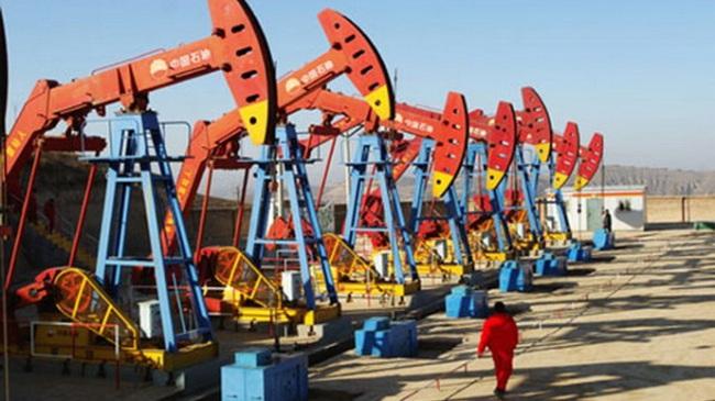 Tỉ phú dầu mỏ phủ nhận dùng quyền lực để kiếm tiền