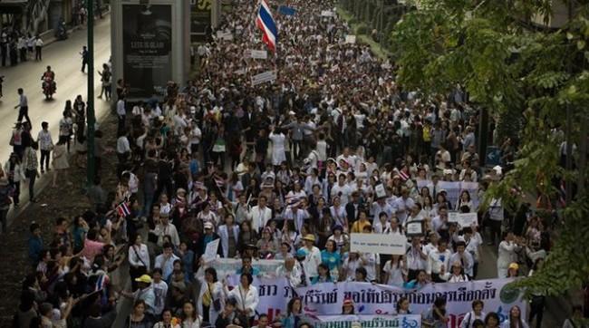 Biểu tình khiến 20 tuyến phố lớn tại Bangkok bị đóng cửa