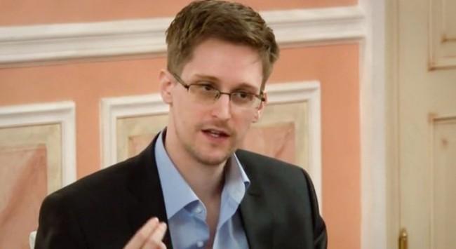 "Edward Snowden: ""Giới chức Mỹ muốn giết tôi"""