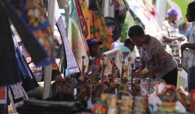 Zimbabwe cho phép lưu hành thêm bốn loại ngoại tệ