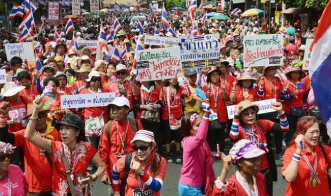 Tổng tuyển cử Thái diễn ra trong hỗn loạn và bạo lực
