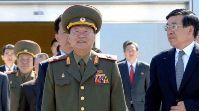 Ông Kim Jong-un 'cài người theo dõi nhân vật số 2'