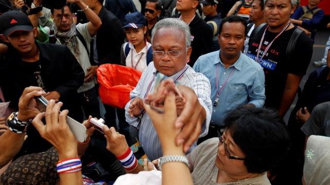 Nổ tại khu vực biểu tình ở Bangkok, 2 người bị thương