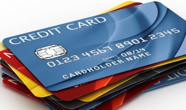 """Thẻ tín dụng """"giết"""" tầng lớp dưới trung lưu của Brazil"""