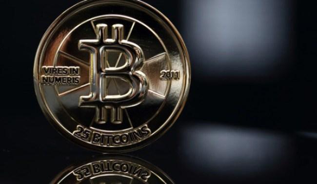 Giá Bitcoin tiếp tục giảm 20%
