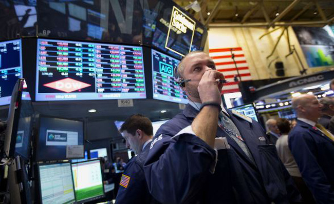 S&P 500 hướng đến mốc cao kỷ lục