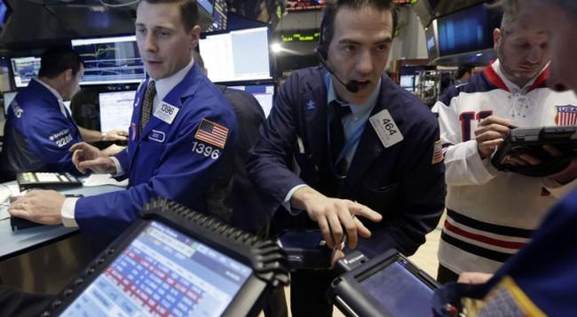 S&P 500  đảo chiều sau khi lập kỷ lục
