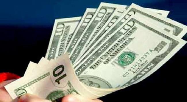 Matxcơva dọa bỏ dự trữ USD