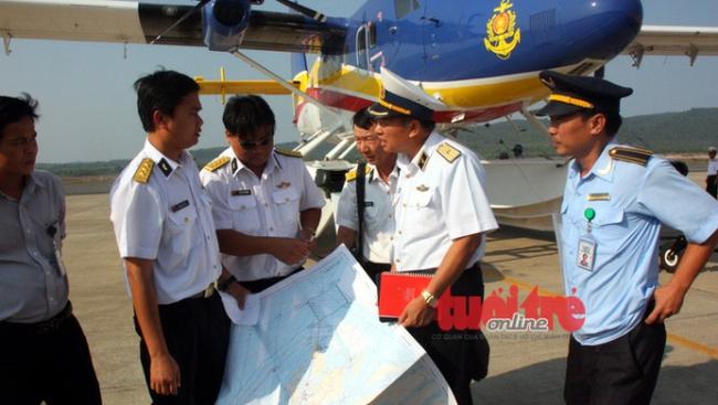 Thủy phi cơ VN phát hiện mảnh vỡ nghi của máy bay mất tích