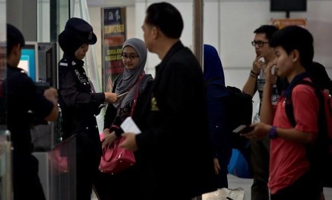 Hai kẻ đánh cắp hộ chiếu thuộc đường dây toàn cầu