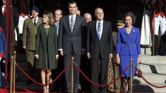 Vua Tây Ban Nha Juan Carlos sẽ thoái vị, nhường ngôi cho con