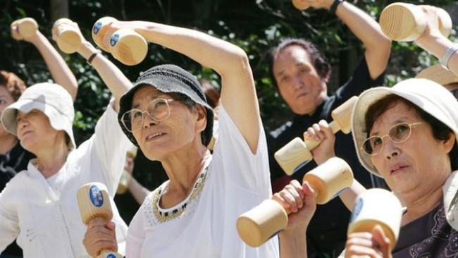 Thủ tướng Abe nỗ lực duy trì dân số